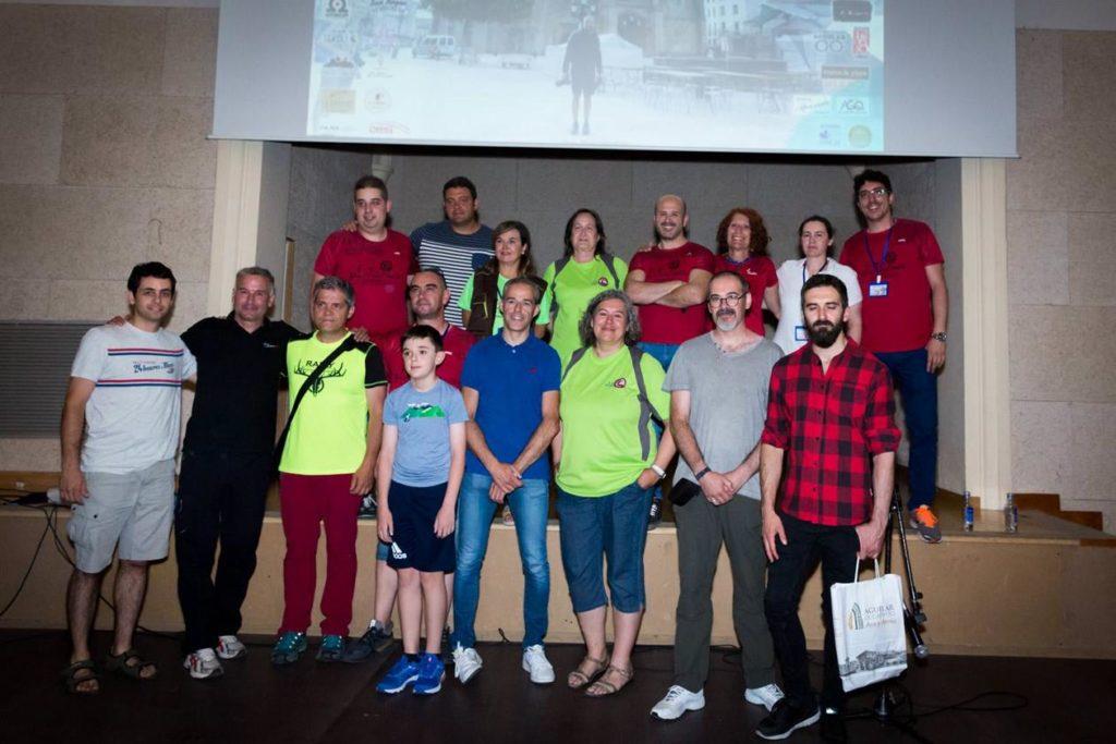 Fotografía de los ganadores y los organizadores